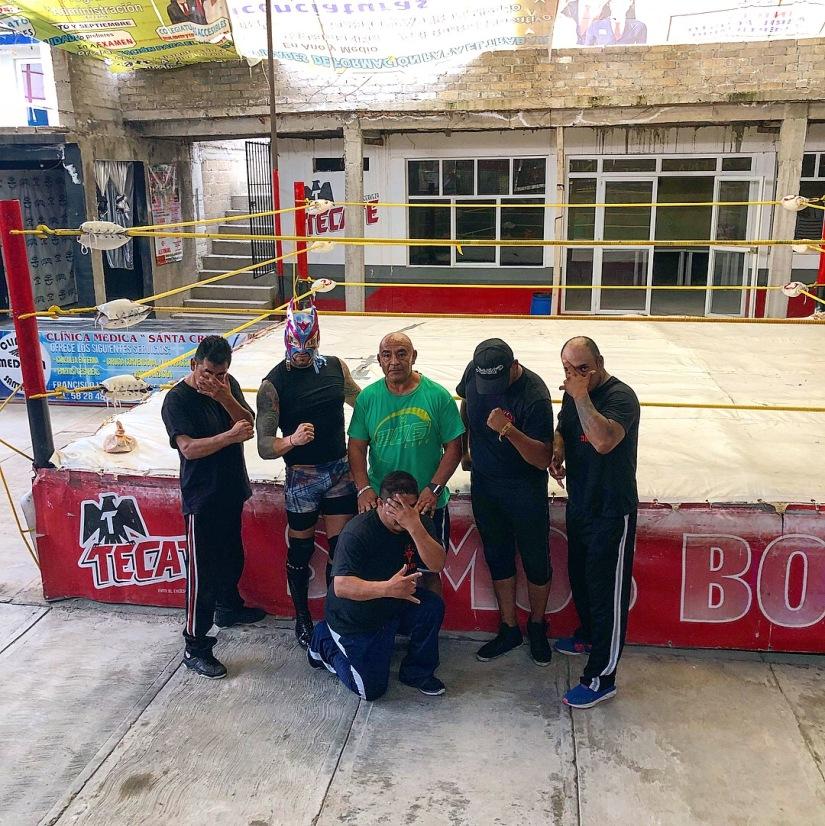 Negro Navarro lucha libre